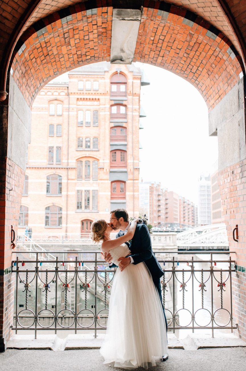 Ungestellte Hochzeitsfotografie von der Hochzeitsfotografin Julia Aßmann in Hamburg, Jork, Stade, Buxtehude. Hochzeitsfotograf.
